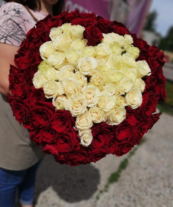 101 Роза 60 см с сердцем из белых роз внутри