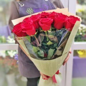 19 роз в эксклюзивной упаковке