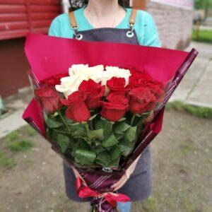 25 роз в Премиум упаковке