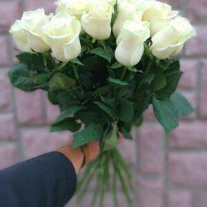 Букет из 15 белых роз 60 см
