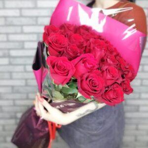 Букет из 21 розы 70 см