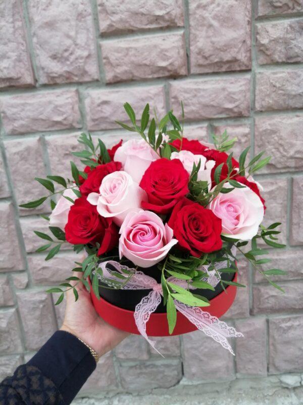 Композиция из 25 роз
